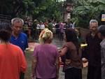 Vụ chém gia đình em ruột ở Hà Nội: Gây án xong, Đông đứng ở hiện trường-4