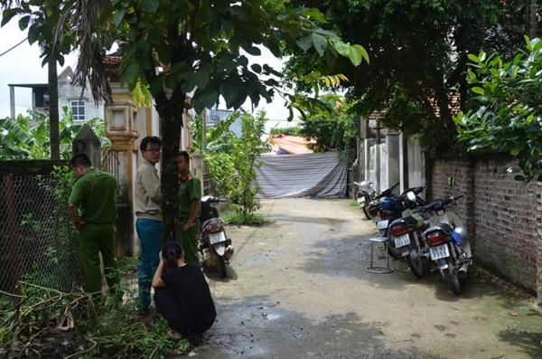Vụ chém gia đình em ruột ở Hà Nội: Gây án xong, Đông đứng ở hiện trường-2