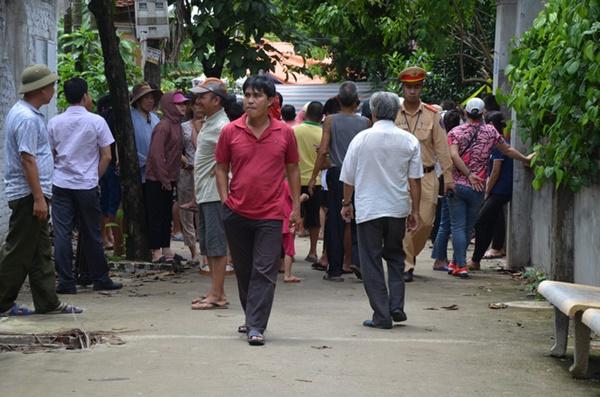 Vụ chém gia đình em ruột ở Hà Nội: Gây án xong, Đông đứng ở hiện trường-3
