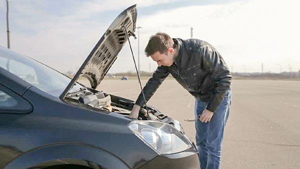 Cách xử lý những sự cố bất ngờ khi lái xe trên đường-1