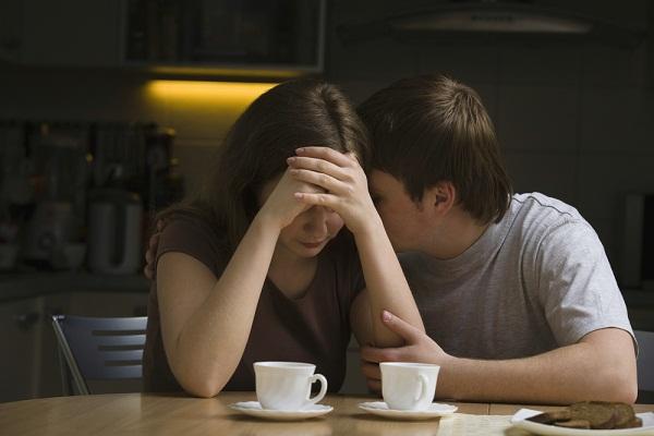 Mẹ chồng cũ từng chửi mắng thậm tệ khi biết tôi ly hôn, nhưng khi gặp lại con trai mình trong bộ dạng rách rưới, bà bật khóc nức nở-1