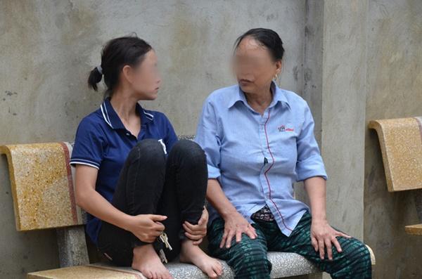Hiện trường vụ anh truy sát gia đình em ruột khiến 5 người thương vong ở Hà Nội-4