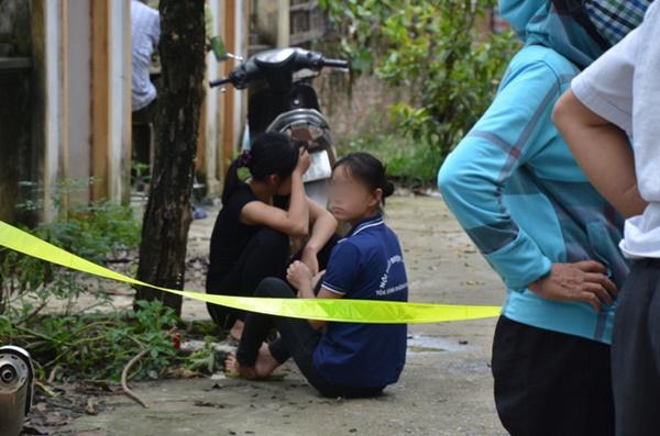 Hiện trường vụ anh truy sát gia đình em ruột khiến 5 người thương vong ở Hà Nội-3