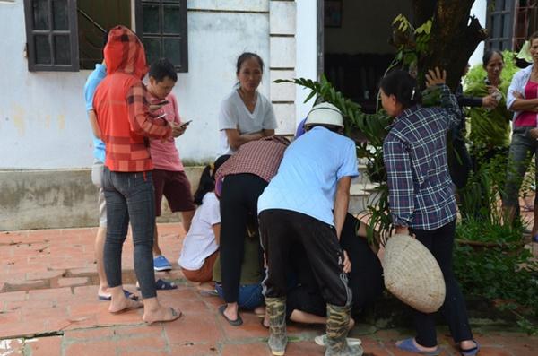 Hiện trường vụ anh truy sát gia đình em ruột khiến 5 người thương vong ở Hà Nội-6