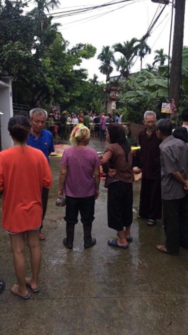 Hiện trường vụ anh truy sát gia đình em ruột khiến 5 người thương vong ở Hà Nội-10
