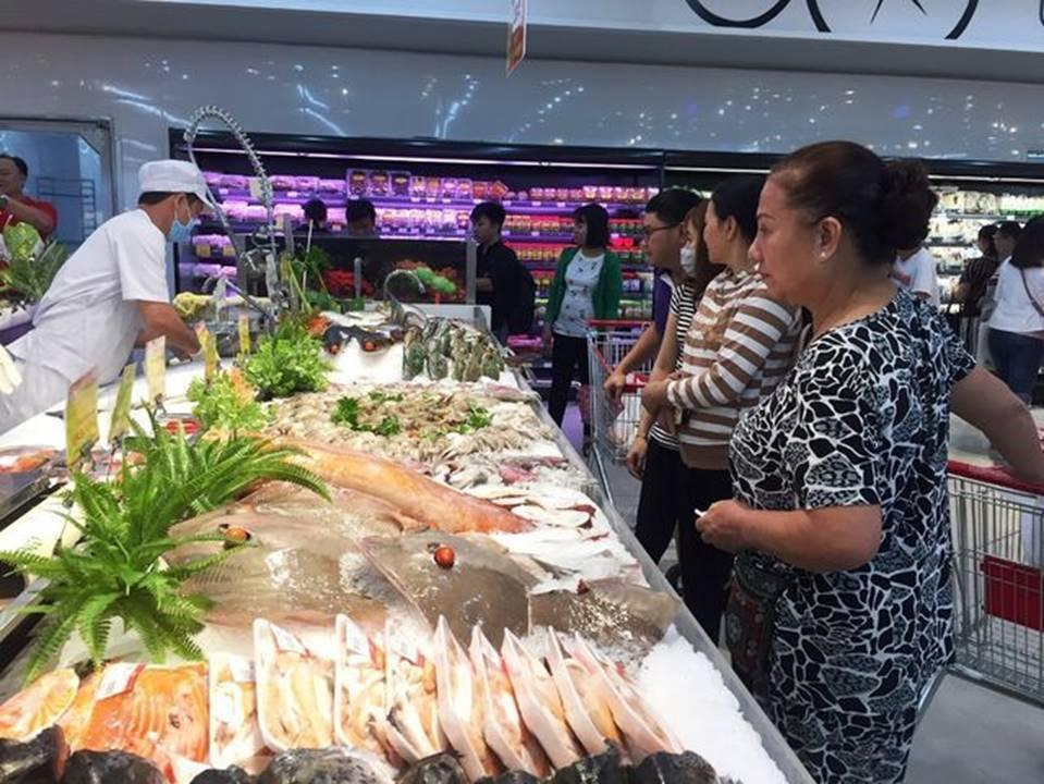Dân buôn hải sản hốt bạc dịp lễ 2/9, nhiều điểm bán bỏ túi hàng trăm triệu-3