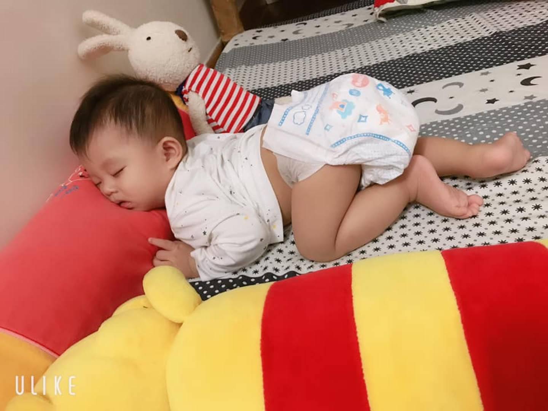 1001 dáng ngủ bá đạo của các bé khiến mẹ chẳng thể làm ngơ mà không ghi lại-5