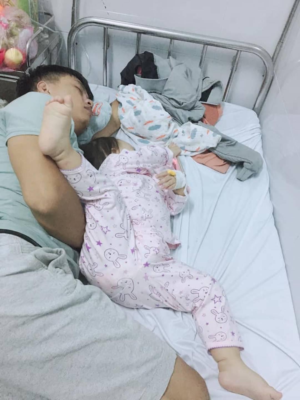 1001 dáng ngủ bá đạo của các bé khiến mẹ chẳng thể làm ngơ mà không ghi lại-6