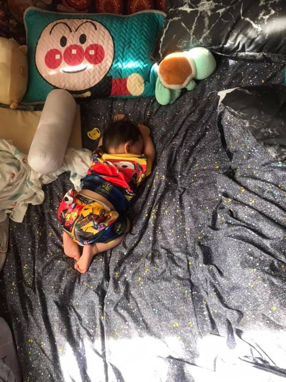 1001 dáng ngủ bá đạo của các bé khiến mẹ chẳng thể làm ngơ mà không ghi lại-8