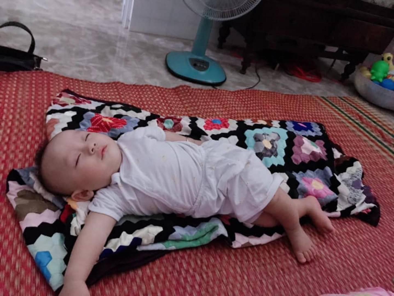 1001 dáng ngủ bá đạo của các bé khiến mẹ chẳng thể làm ngơ mà không ghi lại-15
