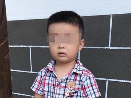 Đi vệ sinh, ông bố bị lạc mất con trai 4 tuổi và loạt kinh nghiệm