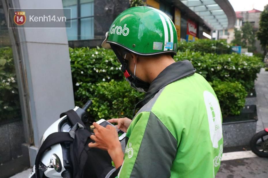 Chạy Grab kiếm 30 triệu/tháng, nam sinh Hà Nội tiết lộ những mặt tối phía sau chuyện bùng hàng và hiểm nguy chết người của nghề xe ôm công nghệ-2
