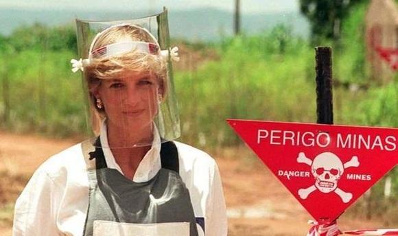 Hé lộ lời trăng trối cuối cùng của Công nương Diana trước khi tử nạn-4
