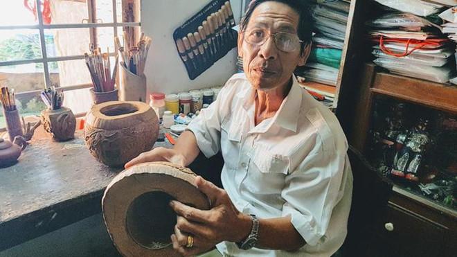 Thổi hồn vào vỏ dừa khô, bán 1,2 triệu đồng/cái-1