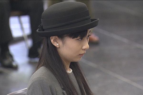 Công chúa xinh đẹp nhất Nhật Bản gây sốt với phong thái chuẩn mực khi lên xe ô tô, vậy mới thấy làm người hoàng gia không hề dễ dàng-1
