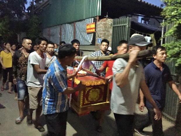 Thảm án anh ruột chém cả nhà em trai ở Hà Nội: Người phát tán clip có thể bị phạt đến 20 triệu đồng-3