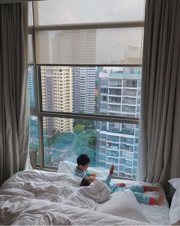 Tăng Thanh Hà hạnh phúc khoe khoảnh khắc gắn bó của 2 nhóc tỳ, hé lộ gần hết khuôn mặt hoàng tử bé Richard Nguyễn-1