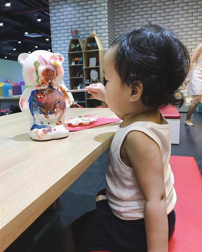 Tăng Thanh Hà hạnh phúc khoe khoảnh khắc gắn bó của 2 nhóc tỳ, hé lộ gần hết khuôn mặt hoàng tử bé Richard Nguyễn-4