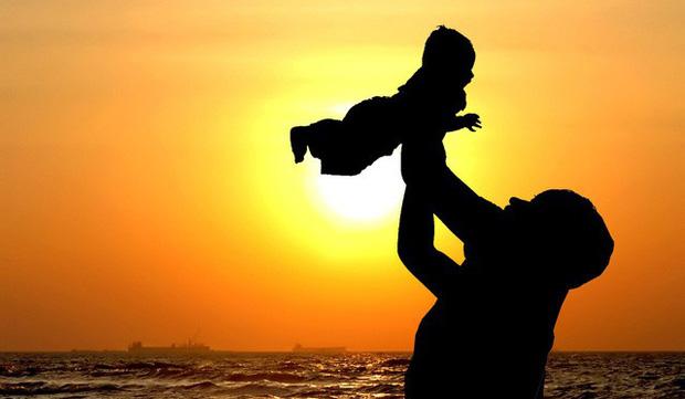Di chúc toàn bộ tài sản cho cô giúp việc còn lòng hiếu thảo của con gái chỉ được 1 đồng, hành động của người cha khiến nhiều bậc phụ huynh thức tỉnh!-2