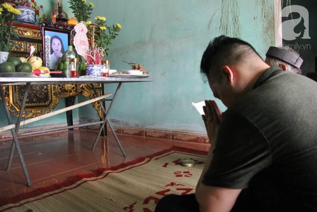 Vụ thảm sát cả nhà em trai ở Hà Nội: Xót xa bé gái 45 ngày mất mẹ, bố gà trống xin từng giọt sữa để nuôi con-3