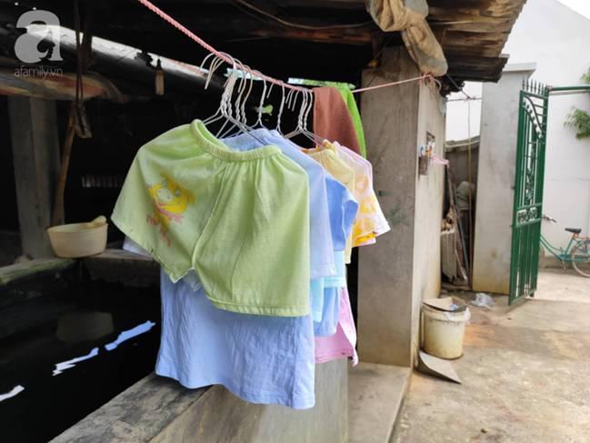 Vụ thảm sát cả nhà em trai ở Hà Nội: Xót xa bé gái 45 ngày mất mẹ, bố gà trống xin từng giọt sữa để nuôi con-7