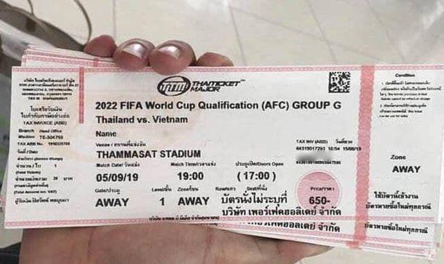 """Vé chợ đen"""" trận đội tuyển Việt Nam đấu Thái Lan cao gấp 8 lần giá gốc-1"""