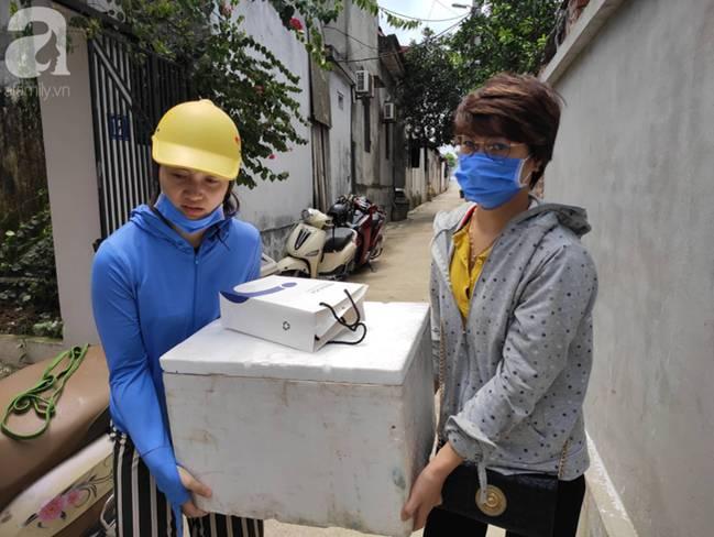 Vụ thảm sát cả nhà em trai ở Hà Nội: Xót xa bé gái 45 ngày mất mẹ, bố gà trống xin từng giọt sữa để nuôi con-11