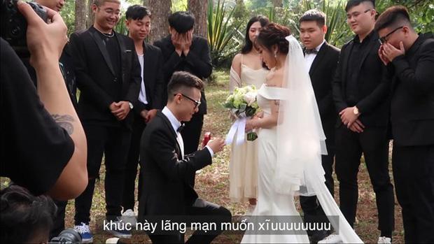 """Vừa xong màn cầu hôn rình rang, ái nữ đại gia Minh Nhựa đã dắt tay chồng lên phường đánh dấu chủ quyền""""-4"""