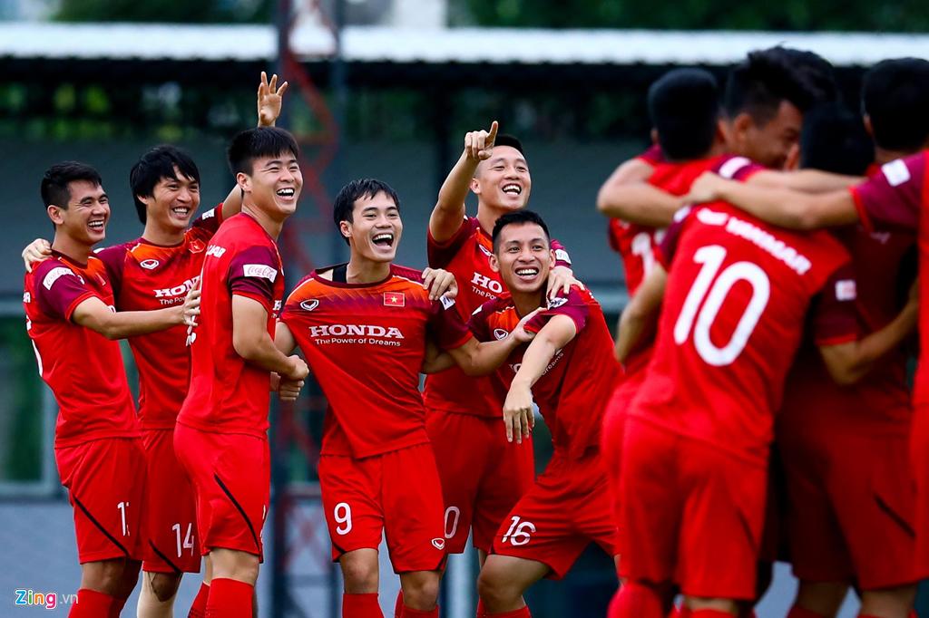 HLV Park động viên Công Phượng trước trận gặp Thái Lan-1