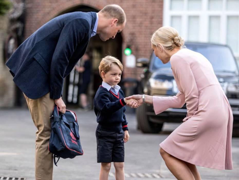 Dù học cùng 1 nơi nhưng ngày đầu tiên đến trường của Công chúa Charlotte sẽ khác xa với Hoàng tử George, lý do nằm ở Công nương Kate-1