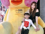 Thu Thủy cùng chồng kém 10 tuổi hào hứng đưa bé Henry tới trường trong ngày khai giảng năm học mới, bỏ qua loạt ồn ào không đáng có-16