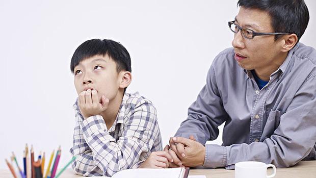 Cha mẹ thông minh hãy nhớ: Đừng khóc lóc trước mặt con cái khi nghèo túng, thay vào đó, hãy dạy chúng nỗ lực thoát nghèo-1