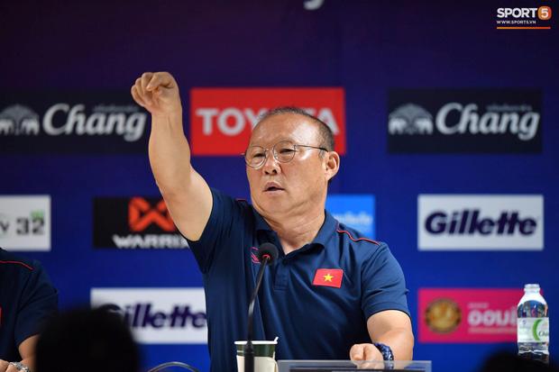 HLV Park Hang-seo phát cáu vì không được phóng viên Thái Lan tôn trọng ở buổi họp báo trước trận-2