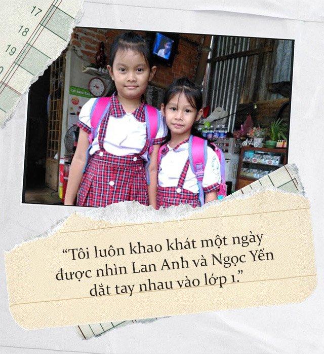 """Hai bé gái bị trao nhầm ở Bình Phước vào lớp 1: Nuôi 2 đứa, tôi phải cố gấp 10""""-1"""