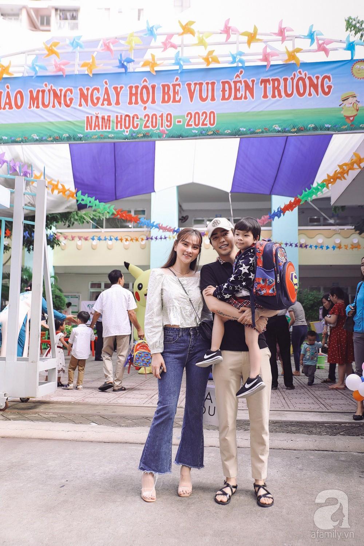 Thu Thủy cùng chồng kém 10 tuổi hào hứng đưa bé Henry tới trường trong ngày khai giảng năm học mới, bỏ qua loạt ồn ào không đáng có-3