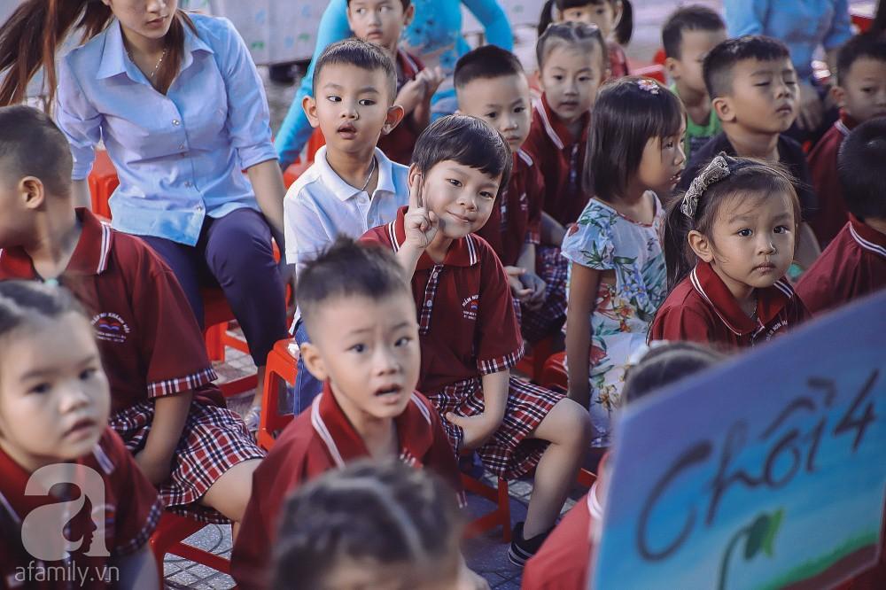 Thu Thủy cùng chồng kém 10 tuổi hào hứng đưa bé Henry tới trường trong ngày khai giảng năm học mới, bỏ qua loạt ồn ào không đáng có-11