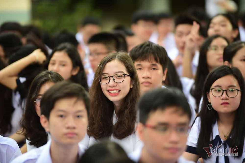 Hình ảnh 'đốn tim' của các nữ sinh ngày khai giảng-6