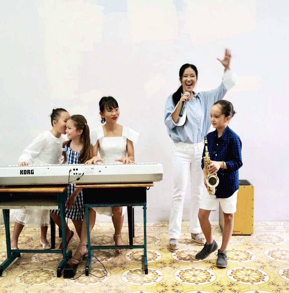 Hậu ly hôn, diva Hồng Nhung chứng tỏ cuộc sống mẹ đơn thân tuyệt vời không cần đến đàn ông-11