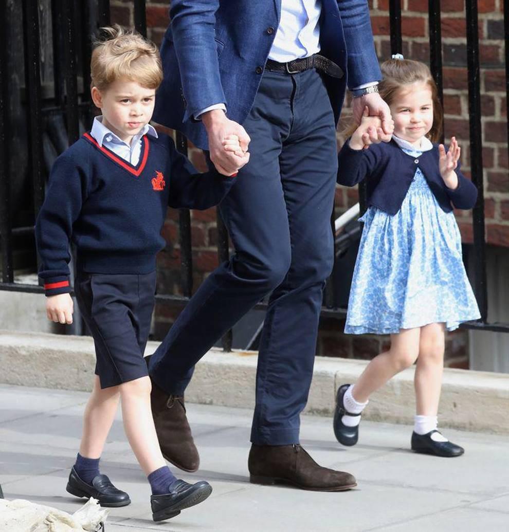 Hôm nay công chúa Charlotte dự lễ khai giảng đầu đời, học phí hoá ra thua xa con sao Việt-2