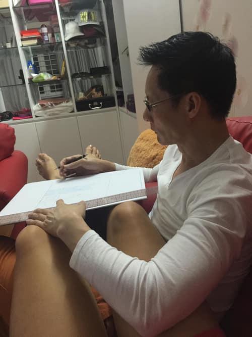 Là đại gia giàu có tiếng nhưng ông xã Phan Như Thảo vẫn tự tay làm điều hiếm gặp ở những người đàn ông khác-2