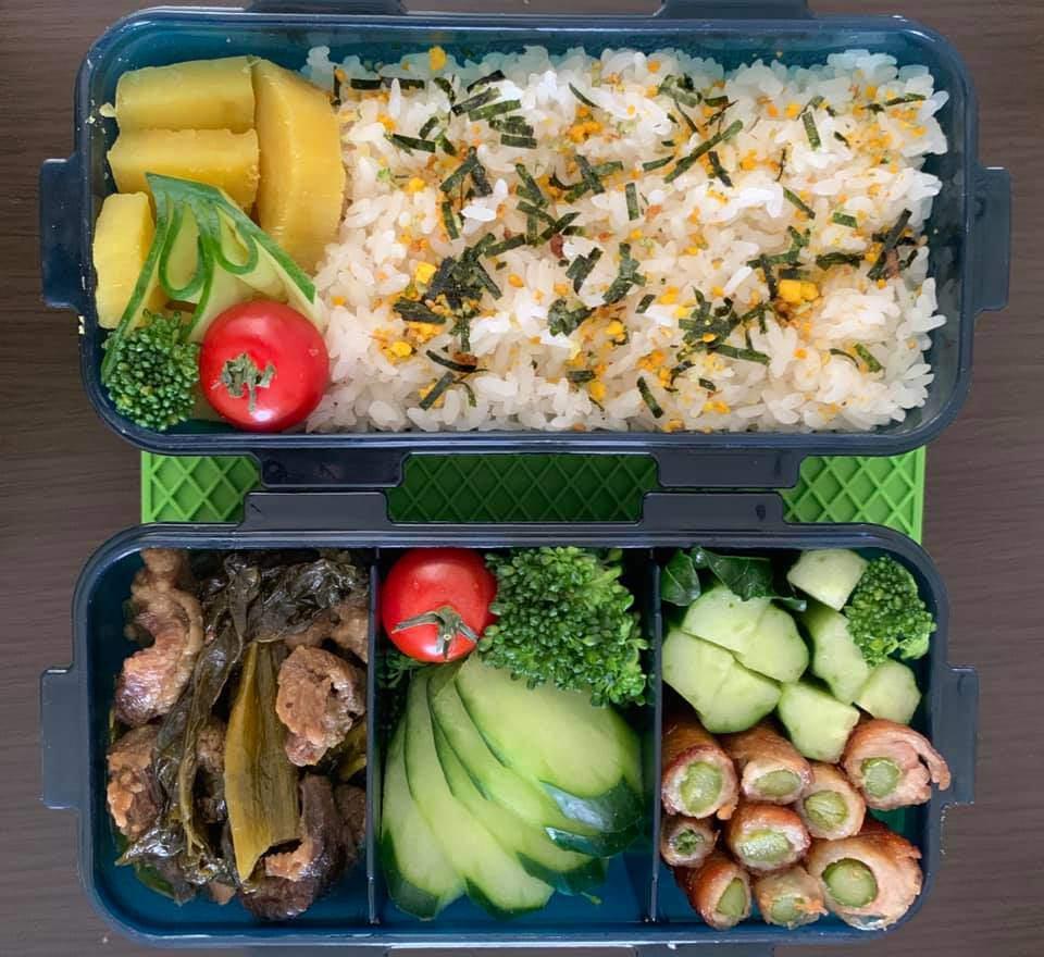 Bận chăm 2 con, 8X vẫn đều đặn làm hộp cơm trưa đẹp hoa mắt cho chồng đầy ắp thịt-6