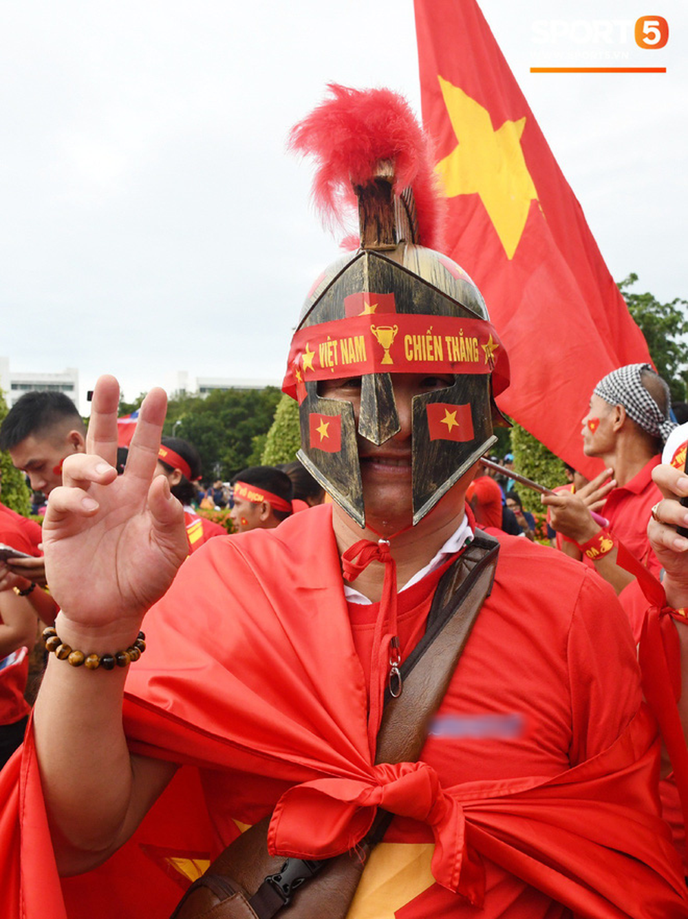 Hiệp một kết thúc với tỷ số hòa không bàn thắng, CĐV Việt Nam thở phào trước hàng loạt pha hãm thành của Thái Lan-50
