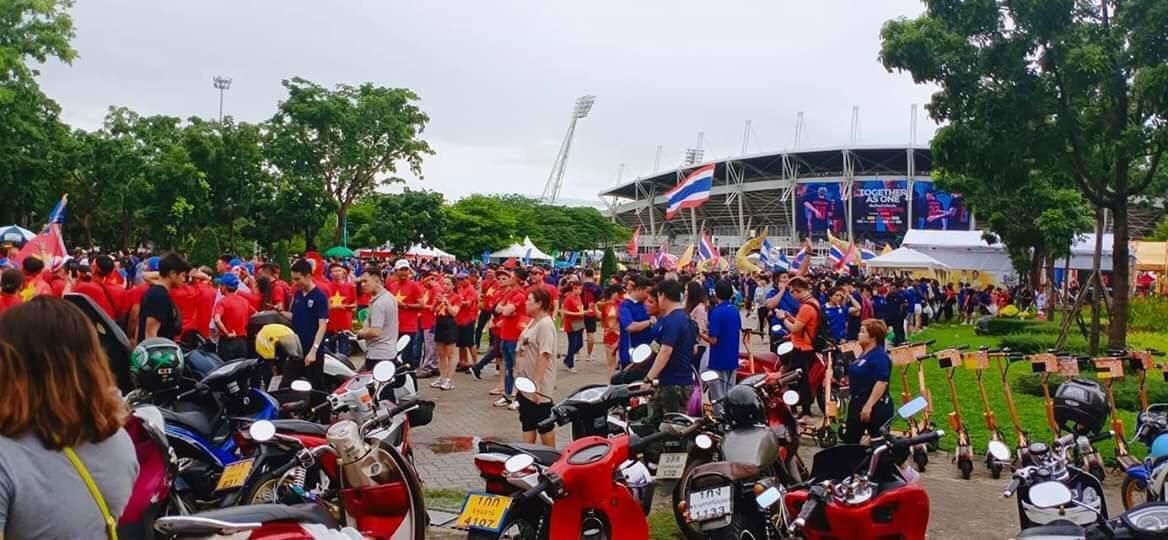 Hiệp một kết thúc với tỷ số hòa không bàn thắng, CĐV Việt Nam thở phào trước hàng loạt pha hãm thành của Thái Lan-27