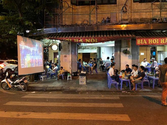 Hiệp một kết thúc với tỷ số hòa không bàn thắng, CĐV Việt Nam thở phào trước hàng loạt pha hãm thành của Thái Lan-14