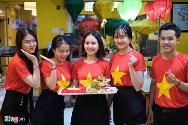 Người hâm mộ Việt Nam thở phào sau khi hòa Thái 0 - 0-18