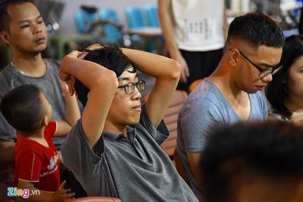 Người hâm mộ Việt Nam thở phào sau khi hòa Thái 0 - 0-25