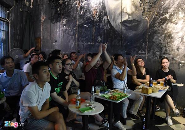 Người hâm mộ Việt Nam thở phào sau khi hòa Thái 0 - 0-26