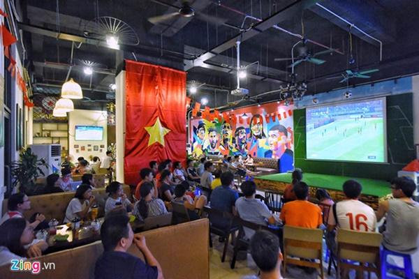 Người hâm mộ Việt Nam thở phào sau khi hòa Thái 0 - 0-27