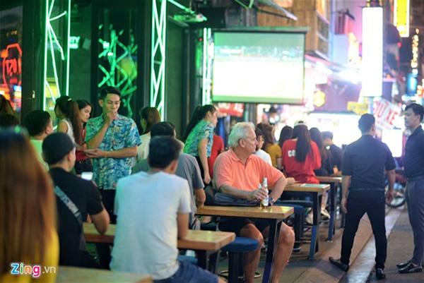 Người hâm mộ Việt Nam thở phào sau khi hòa Thái 0 - 0-30