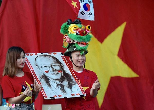 Người hâm mộ Việt Nam thở phào sau khi hòa Thái 0 - 0-39